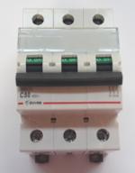 Автоматический выключатель Zuver DX-63. 3P. 50A. 6kA. AC